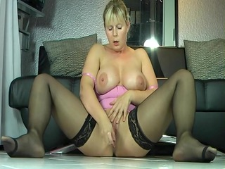 dg milf squirts awesome