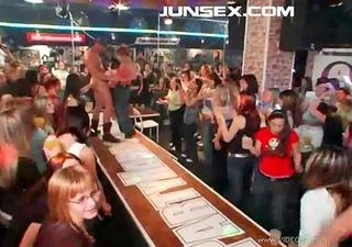 party hardcore 511 scene6