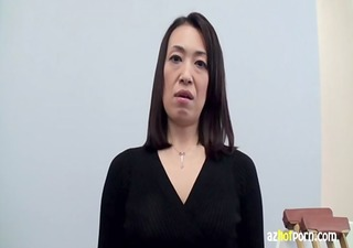 azhotporn.com - oriental housewife fractured legs