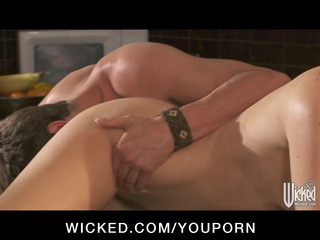 hot soccer mom india summer copulates her sons