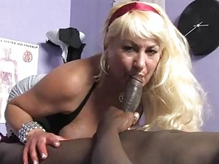 sporty blonde momma with large billibongs sucks