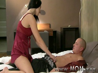 mamma cougar wife fucks her lover