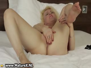 lustful blond mature housewife widening part0