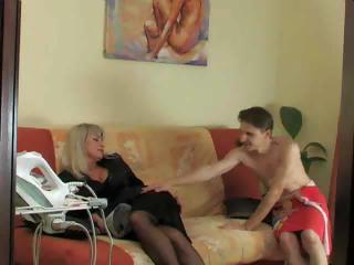 matures and pantyhose 51