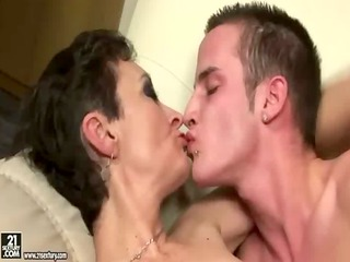 older woman youthful boy tongue kiss and sex