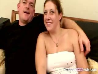 amateur copulates his preggo wife