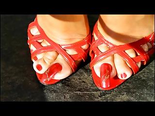 best aged shows feet