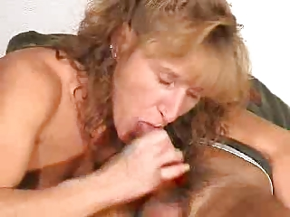 older gives a blowjob with cumshot in mouth