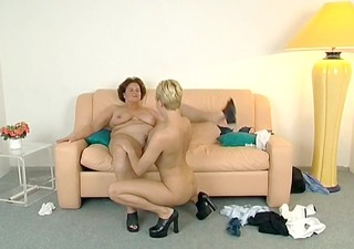 lesbian allies pussyeating