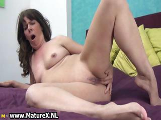naughty mature wench fucking her own