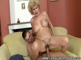 old granny mature gets her fur pie licked