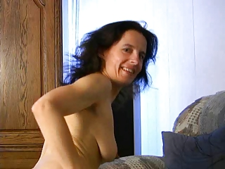 mature fetisha plays with her cum-hole