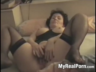french granny brings herself to agonorgasmos