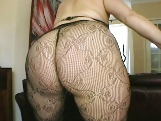 large butt brunette milf amateur in hot darksome