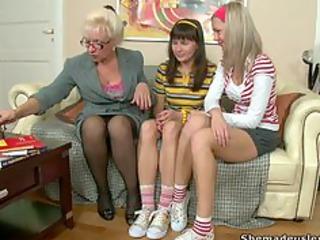grandma and 3 nubiles grasa