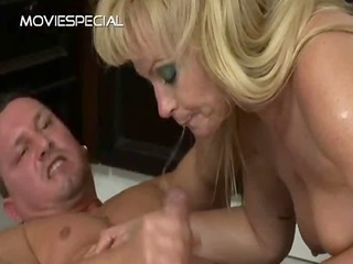 aged milf gets asshole drilled