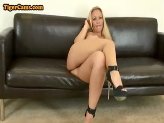big tits blonde d like to fuck in panties