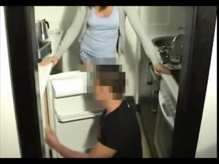 spy milf fucks young frigorista