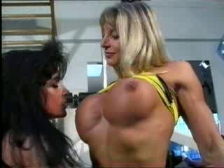 bodybuilding milfs acquire snatch amicable at the