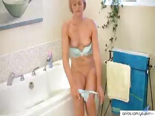 amazing milf housewife masturbation