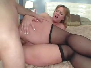 big a-hole mommy loves the anal sex
