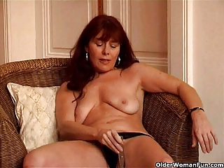 saggy granny sara works her unshaved pussy with a